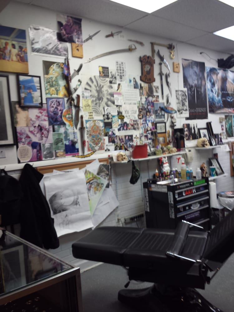Absolute Tattoo & Body Piercing: 6614 Holabird Ave, Baltimore, MD