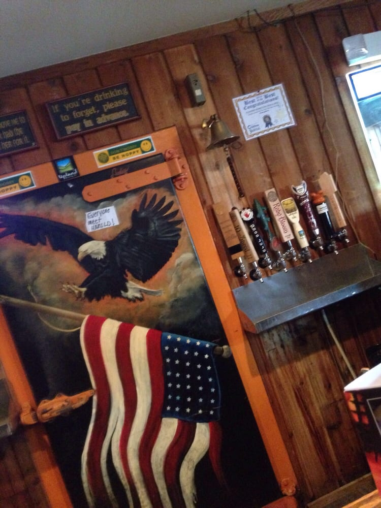 Klinker's Hometown Bar & Grill: 1115 S Main St, Princeton, IN