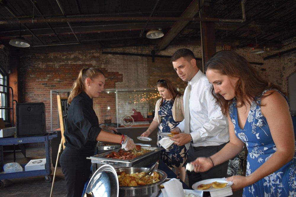 Joe's Gourmet Catering & Event: 33152 W Seven Mile Rd, Livonia, MI