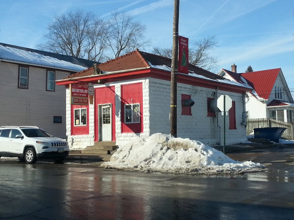 Main Street Pizza & Subs: 102 W Main, Holmesville, OH