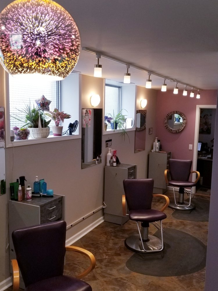 French Twist Salon: 480 Park Ave, Amherst, OH