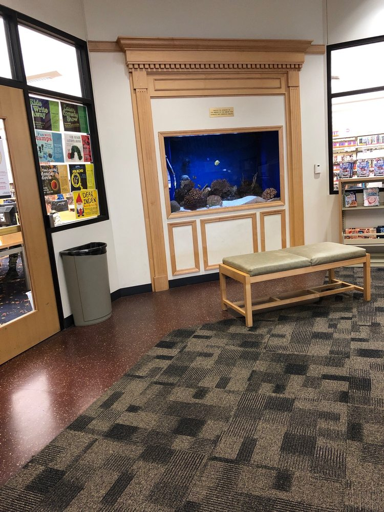 Eisenhower Public Library District: 4613 N Oketo Ave, Harwood Heights, IL