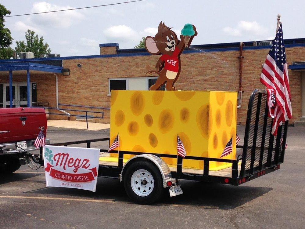 Megz Country Cheese: 420 Il Rte 75 E, Davis, IL