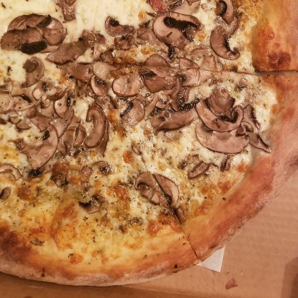 Naples Pizzeria: 142 1/2 Elm St, Amesbury, MA