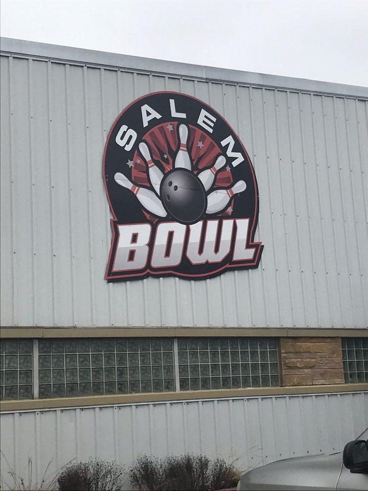 Salem Bowl: 1620 E Main St, Salem, IL