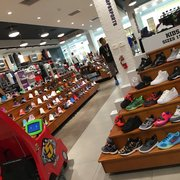 0bfff2d2381 Champs Sports - 20 Photos   26 Reviews - Sporting Goods - 2855 ...