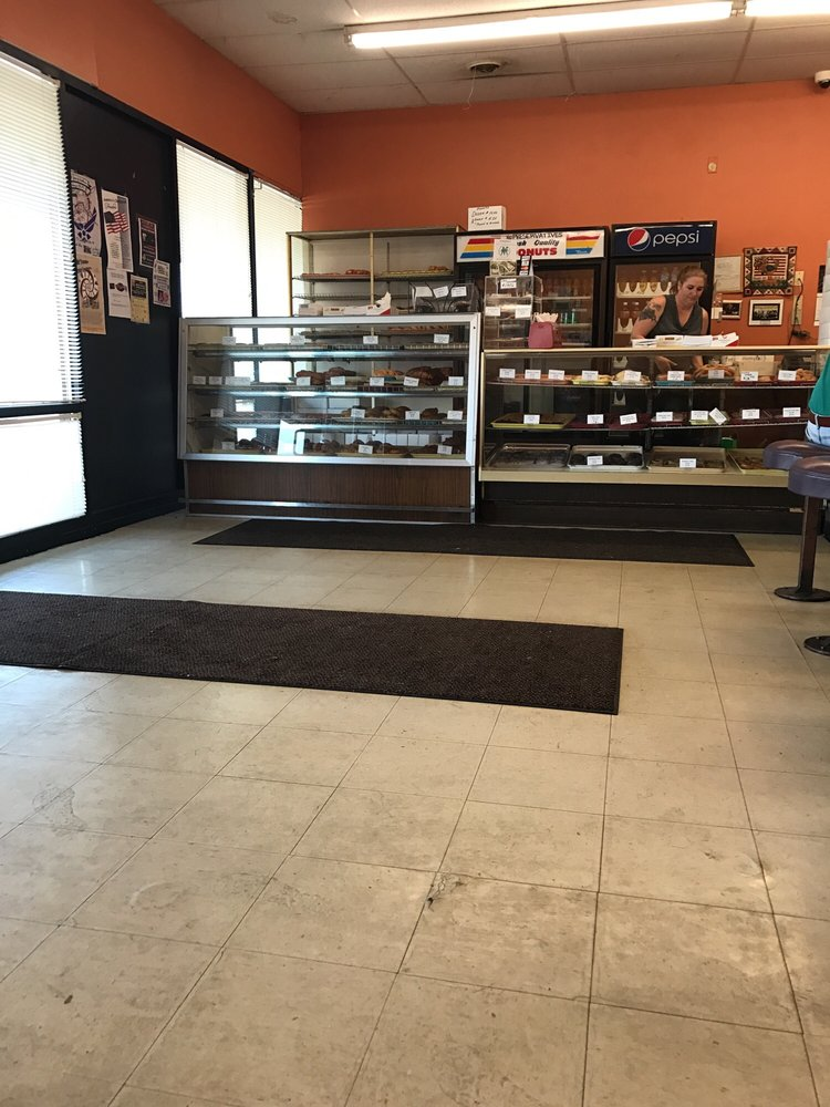 Donut Shop: 742 Columbus Ave, Lebanon, OH
