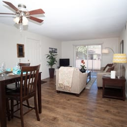 Green door apartments 12 photos apartments 101 - One bedroom apartments in belleville il ...