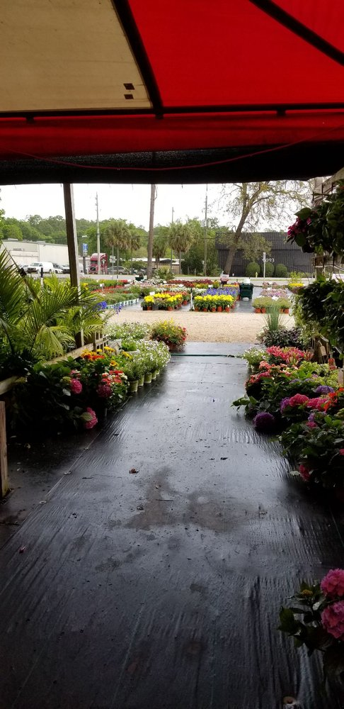Holiday's Nursery & Landscaping