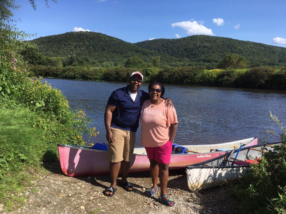 Berkshire Canoe Tours: Decker's Lndg, Lenox, MA