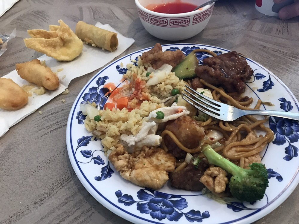 Great Dragon Chinese Restaurant: 3500 Dodge St, Dubuque, IA