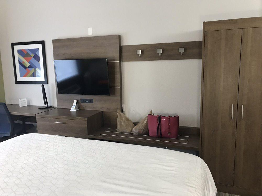 Holiday Inn Express Naples South - I-75