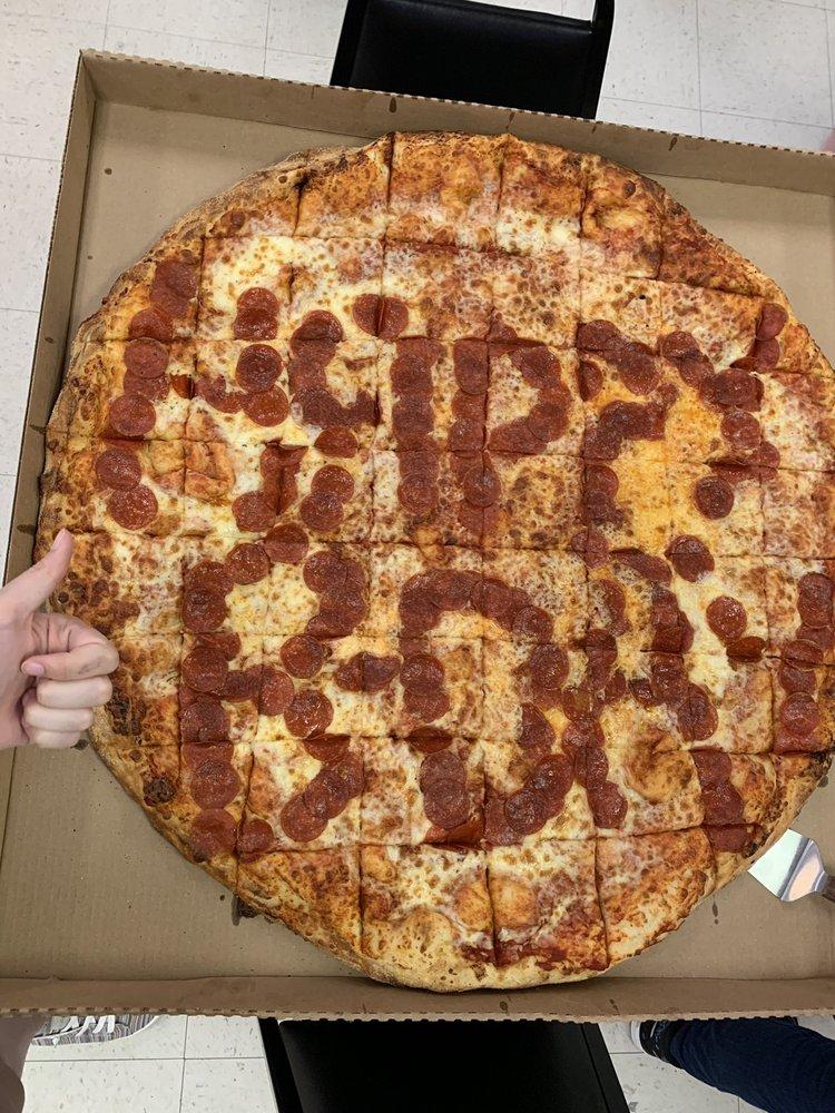 Fox's Pizza Den: 703 Gardenview, Pine Mountain, GA