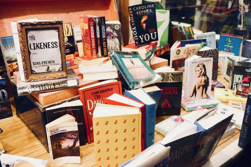 Pearl Street Books: 323 Pearl St, La Crosse, WI