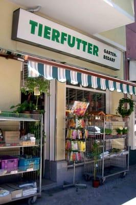 Gartenbedarf  Gärtig Tierfutter und Gartenbedarf - Nurseries & Gardening ...