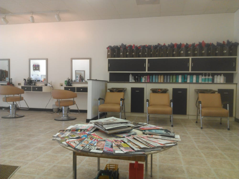 Chez delila s hair salon hairdressers 113 danbury rd for Adam broderick salon