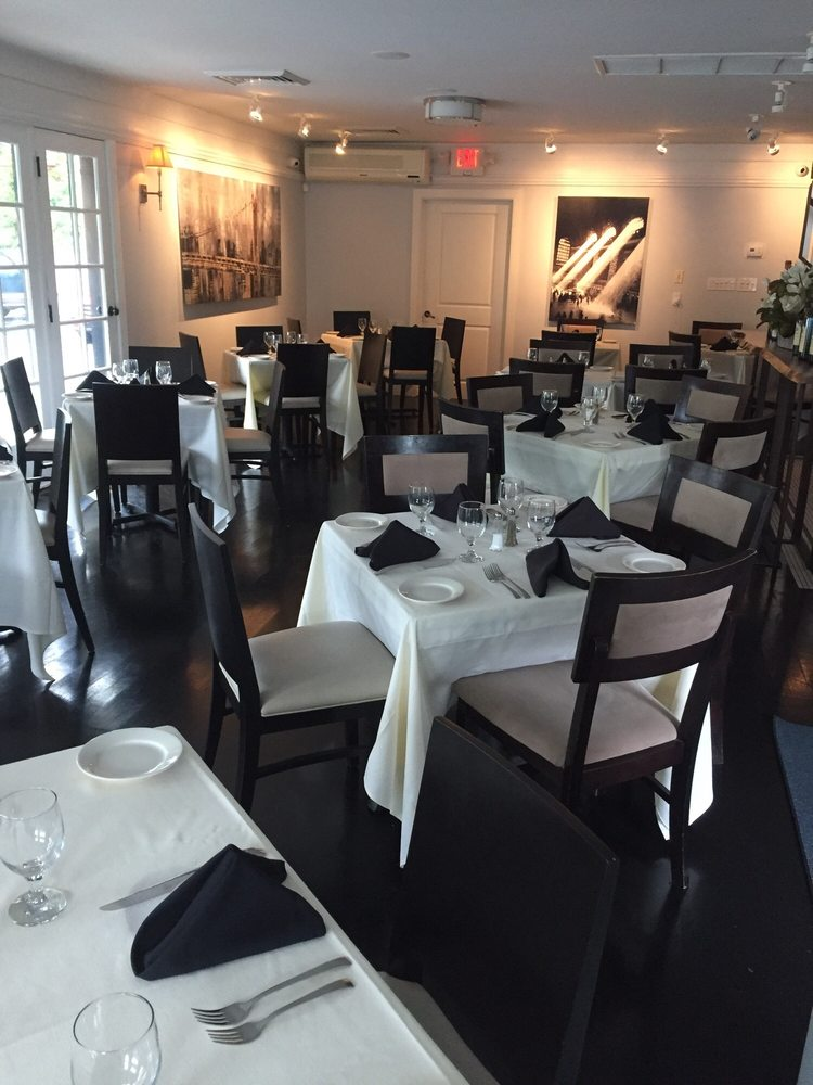 Lenny's North Seafood and Steakhouse: 386 Main St, Armonk, NY