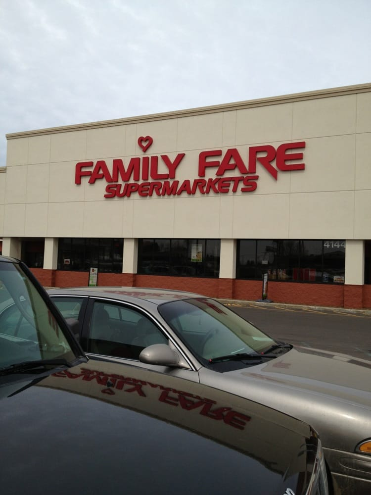 Family Fare Supermarket: 4144 US 31 S, Traverse City, MI