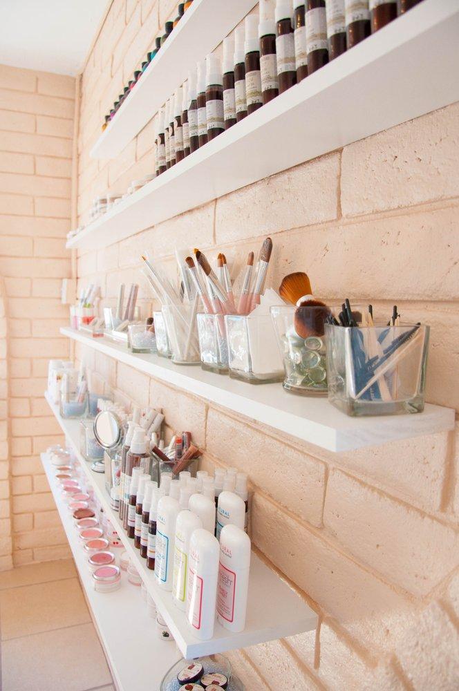 Blossom Waxing & Beauty Bar: 9311 Candelaria Rd NE, Albuquerque, NM