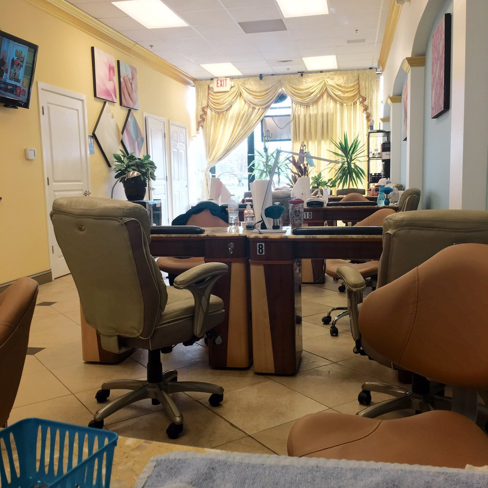 Luxury Nails - 13 Photos & 16 Reviews - Nail Salons - 5705 Lynnhaven ...
