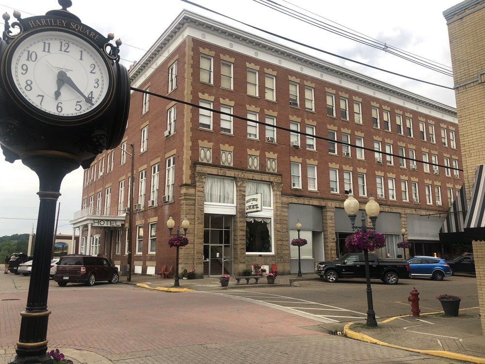 Lowe Hotel: 401 Main St, Point Pleasant, WV
