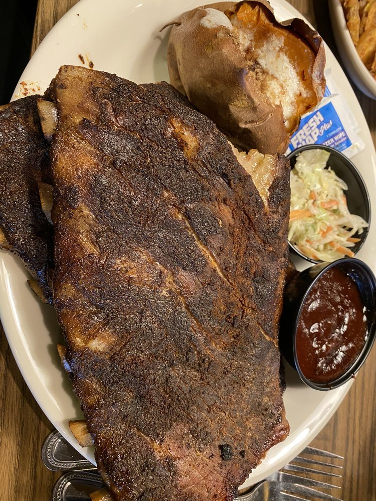 Colton's Steakhouse & Grill: 33 Access Rd, Van Buren, AR