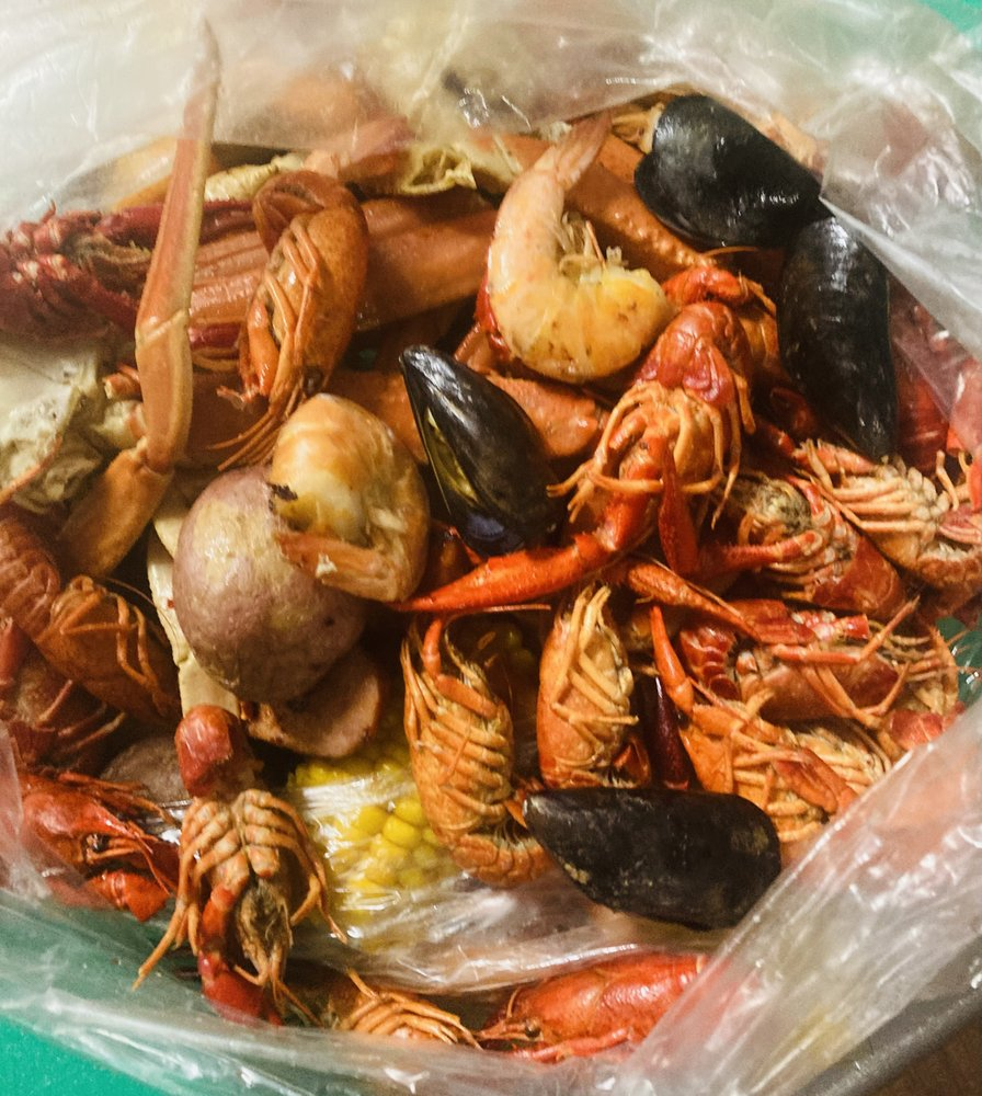 Seafood Boil NC: 114 E Central Ave, Mount Holly, NC