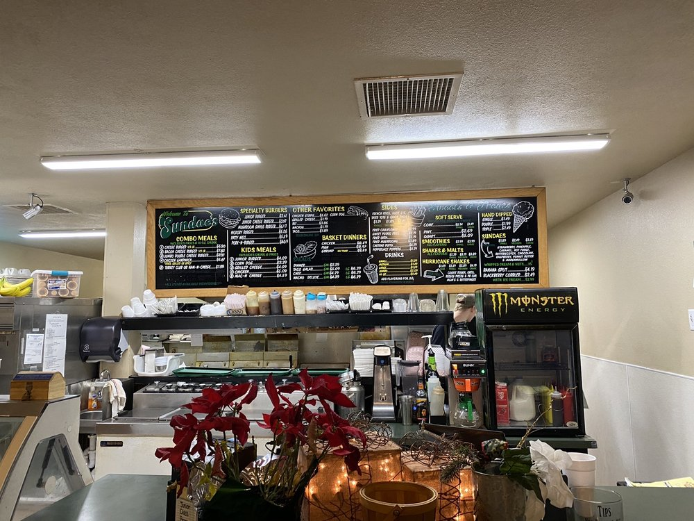 Sundaes Fast Food: 117 Rb Rd, Stockton, MO