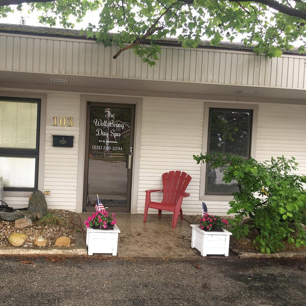 The Well Being Day Spa: 103 W Hurlbut, Charlevoix, MI