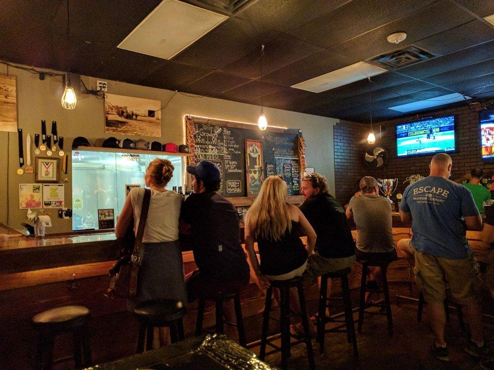 Big Top Brewing Company: 6111 Porter Way, Sarasota, FL