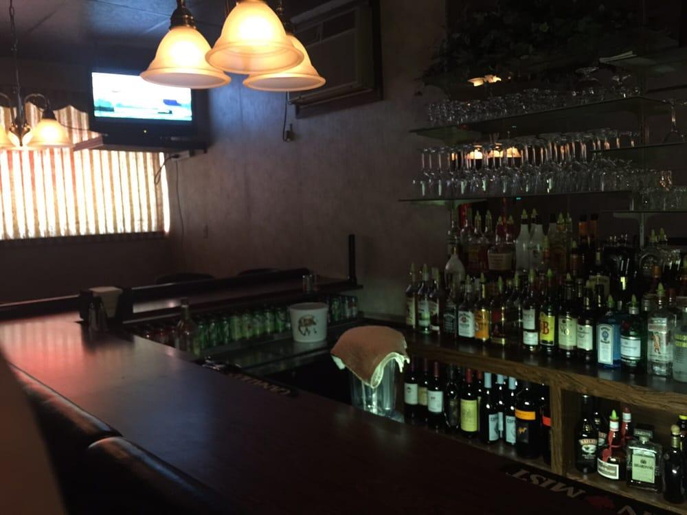Lucchesi's Bar & Restaurant: 372 Donner Ave, Monessen, PA