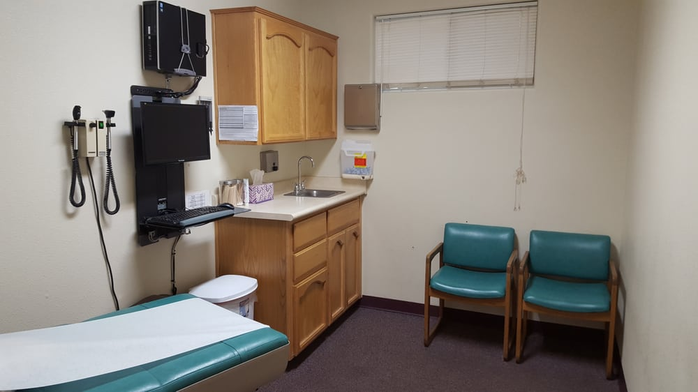 Mountain View Medical Clinic: 468 N Vermont Ave, Dinuba, CA