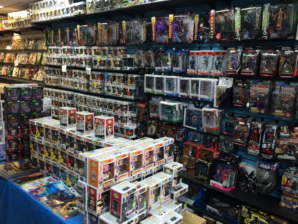 Collector Cave: 3027 Middletown Rd, Bronx, NY