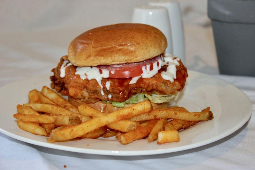 Fowler's Restaurant and Wild Bill's Sports Bar: 2003 E Goliad Ave, Crockett, TX