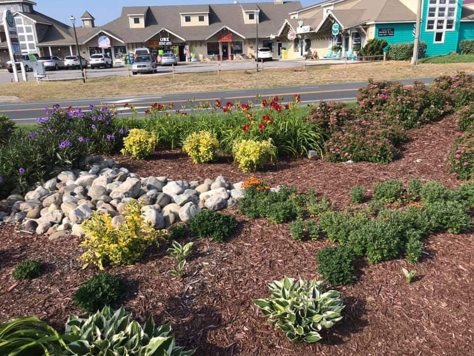 Grounds Pros: 7278 Caratoke Hwy, Jarvisburg, NC