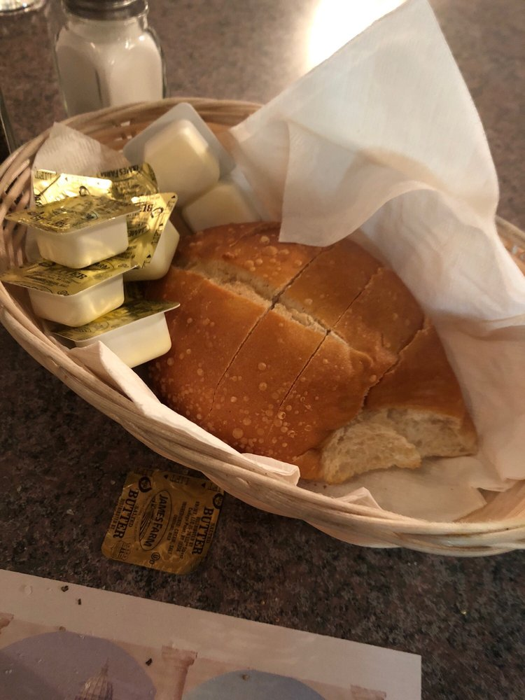 Mimmo's Italian Restaurant & Grill: 519 2nd St NW, Burkeville, VA