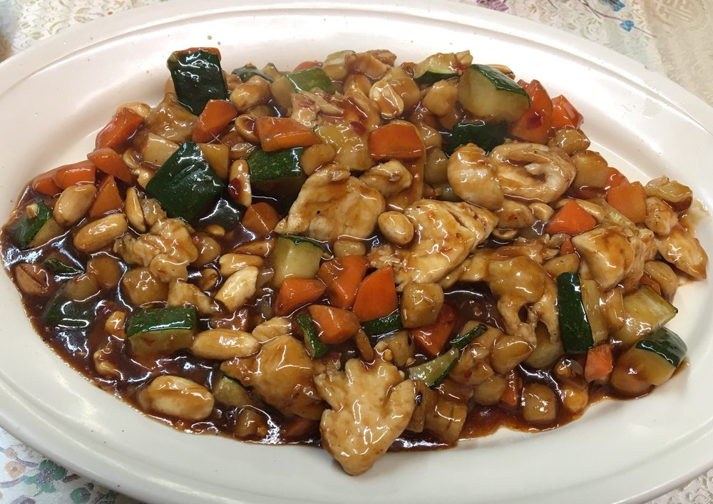Uncle Chien's Chinese and Thai Restaurant: 3004 34th St, Lubbock, TX