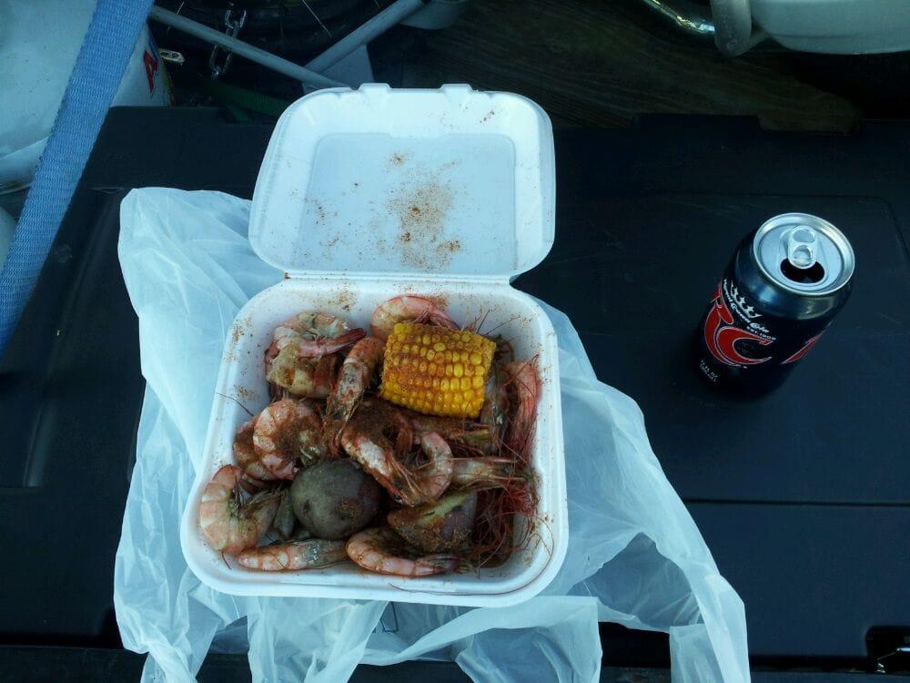T-Bob's Seafood: 806 Main St, Jeanerette, LA