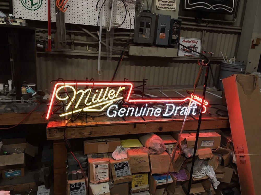 Bony's Neon & Signs