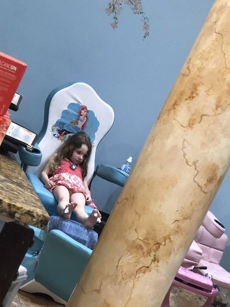 Tiffany's Nail Spa: 9508 Crosshill Blvd, Jacksonville, FL