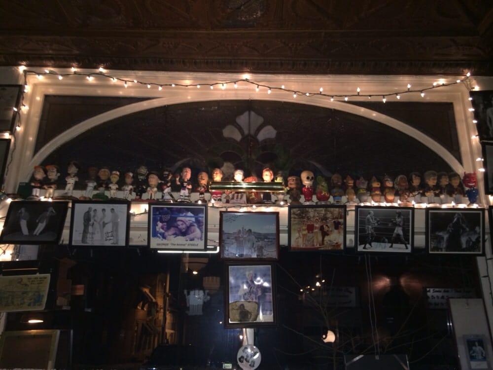 Henninger S Tavern Last Updated June 2017 33 Photos