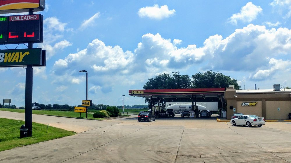 Pilot Travel Center: 917 E Elm St, Marston, MO