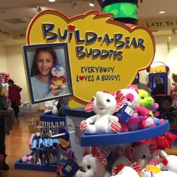 build a bear employee