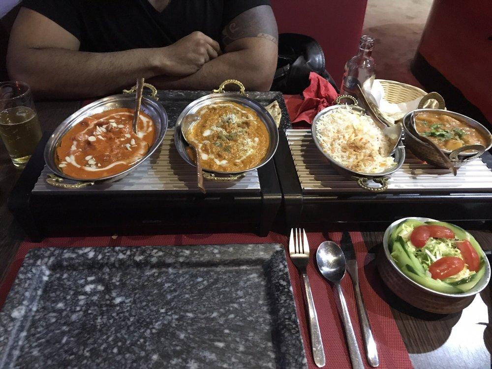 TAJ Taste Of India: De Evenaar 171, Almere, FL