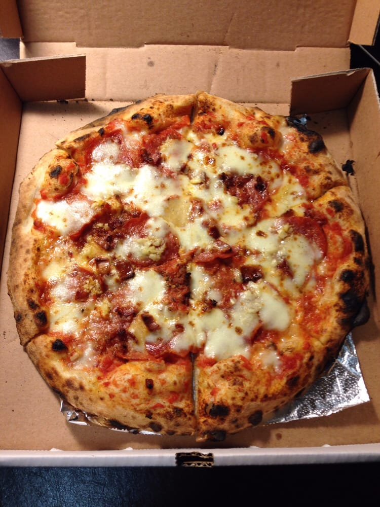 Lancitos Pizzeria: 125 Front St, New Haven, MO