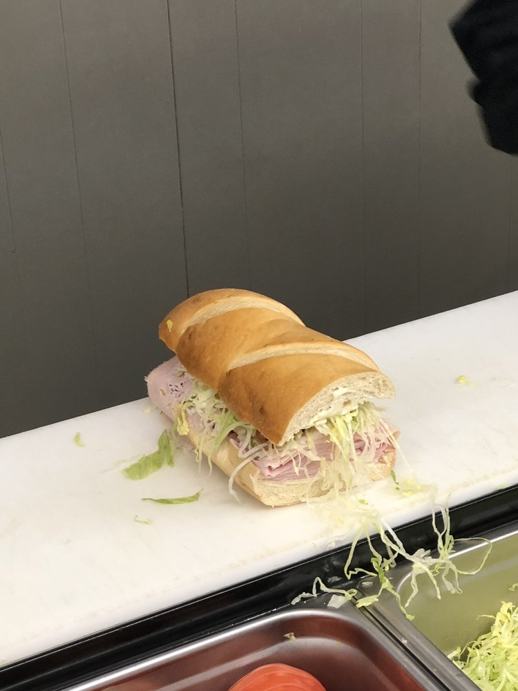 Phat Daddy's Subs: 1511 W State St, Bristol, VA
