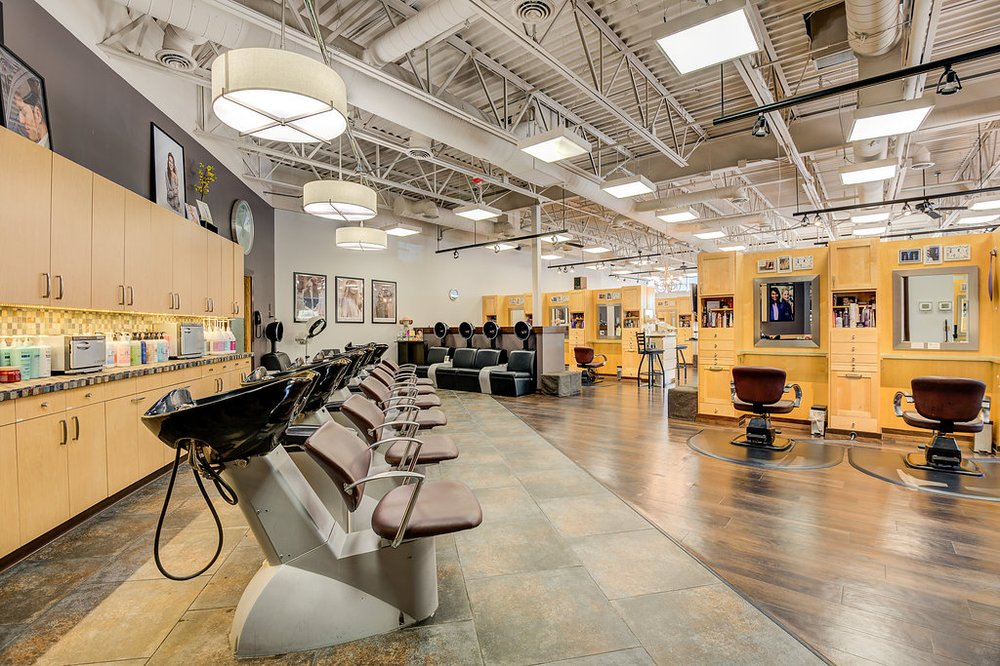 Hair District: 3525 Vicksburg Ln N, Plymouth, MN