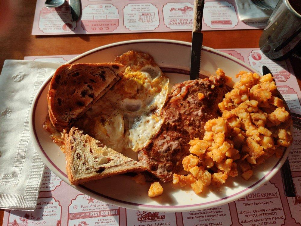 Duanesburg Diner & Restaurant: 5156 Western Tpke, Duanesburg, NY