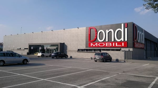 Dondi mobili negozi d 39 arredamento via cento 58 for Giardino wow ferrara