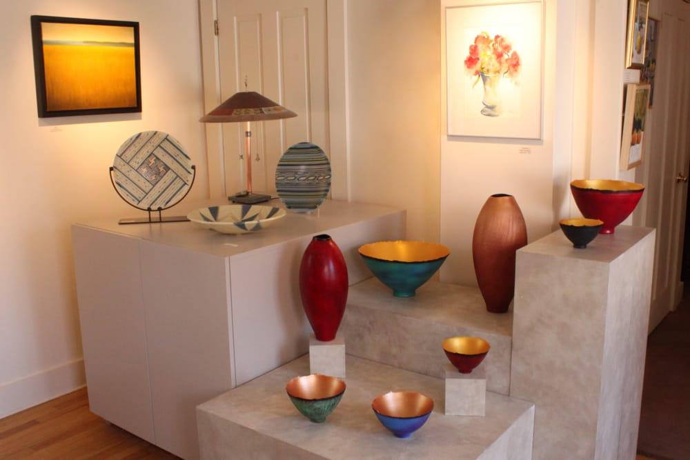 Hoadley Gallery Contemporary Crafts: 21 Church St, Lenox, MA